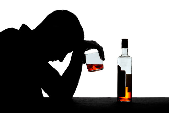 National Mental Health Awareness Month: Understanding alcohol addiction treatment and mental health